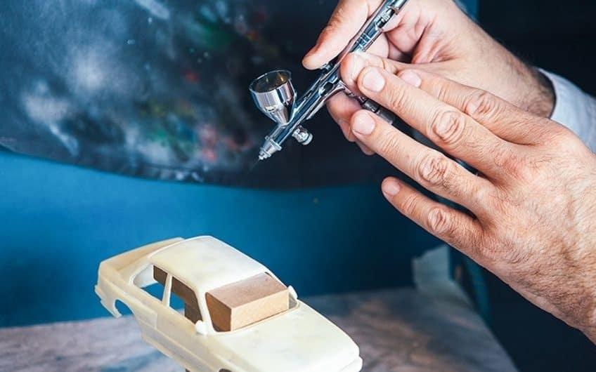 airbrushing miniatures