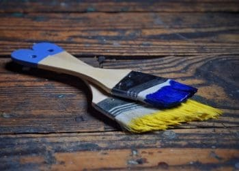 latex versus acrylic paint