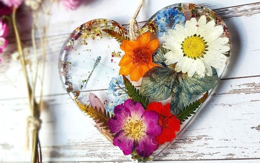 how to preserve fresh flowers in resin