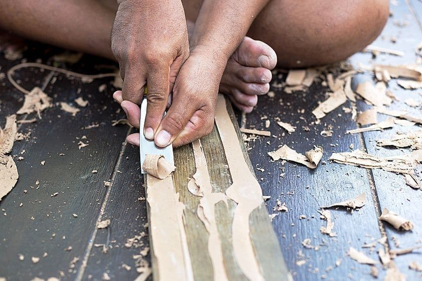 how to remove wood glue by scraping