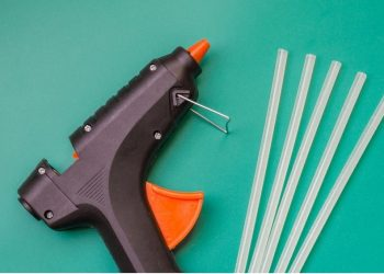 how to remove hot glue