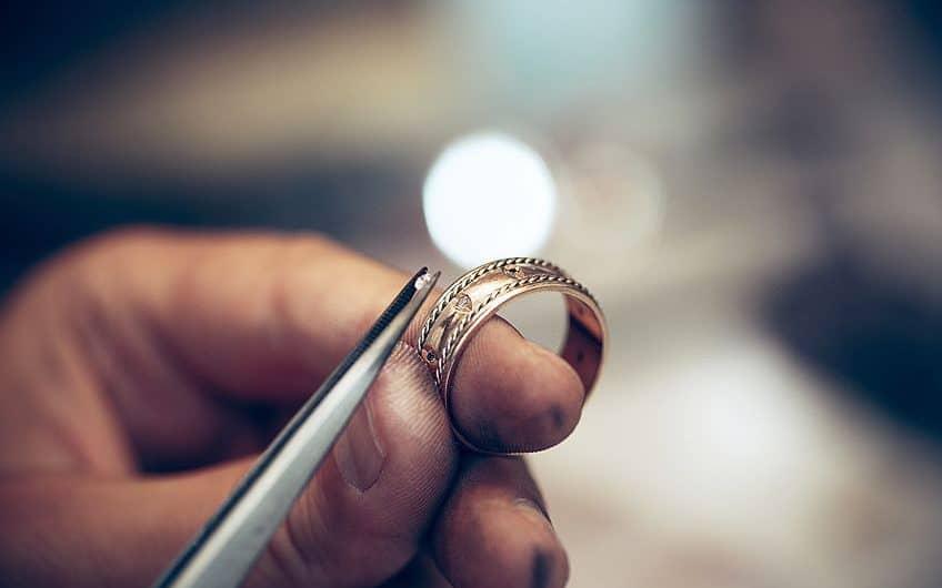 Best Jewelry Glue