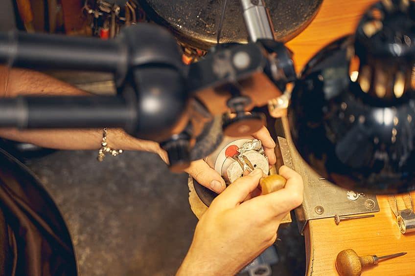 Jewelers Glue